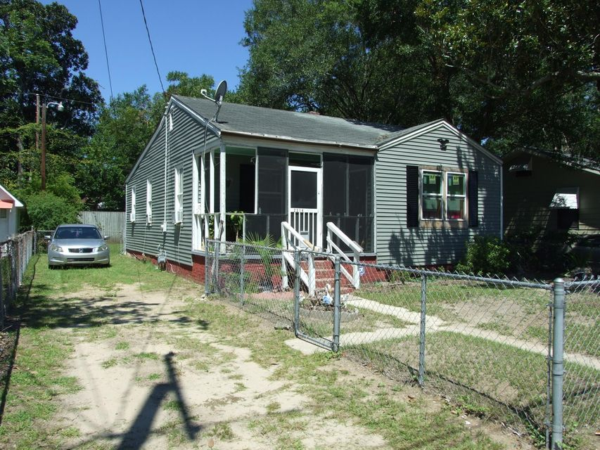2314  Kent Avenue North Charleston, SC 29405