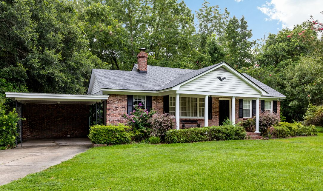 407 W Carolina Avenue Summerville, SC 29483