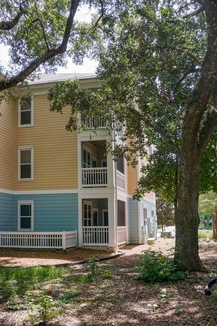 200  Bucksley Lane Charleston, SC 29492