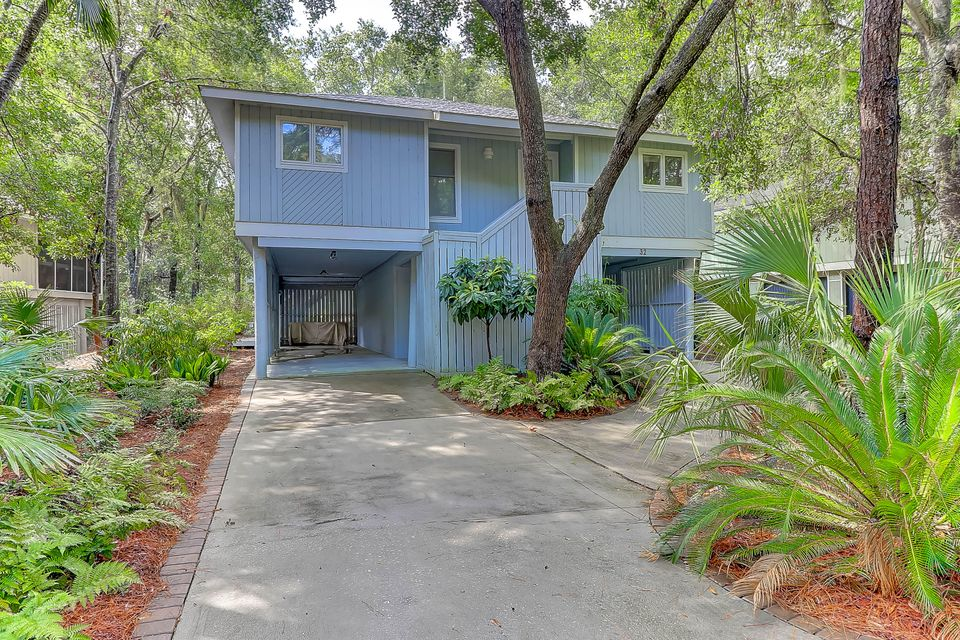 32  Twin Oaks Lane Isle Of Palms, SC 29451