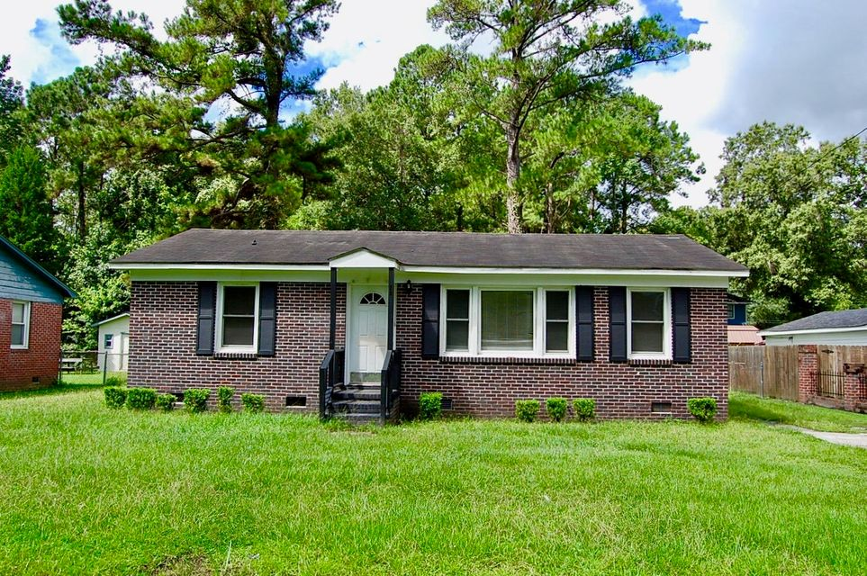 7253 Tanglewood Drive North Charleston, SC 29418