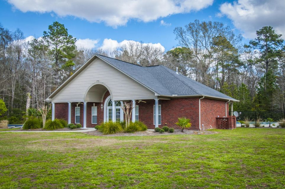 5426 Clearview Drive North Charleston, SC 29420