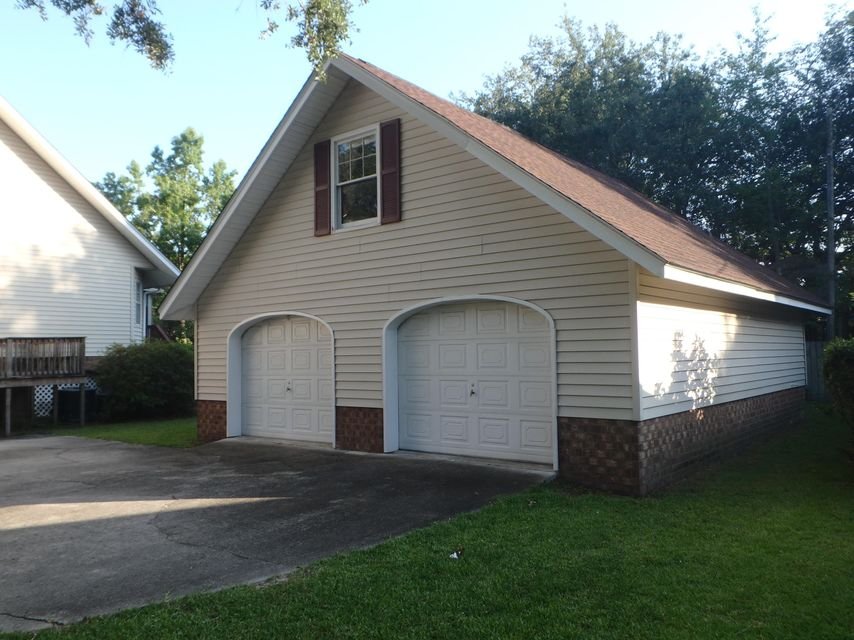 117  The Oaks Ave Goose Creek, SC 29445