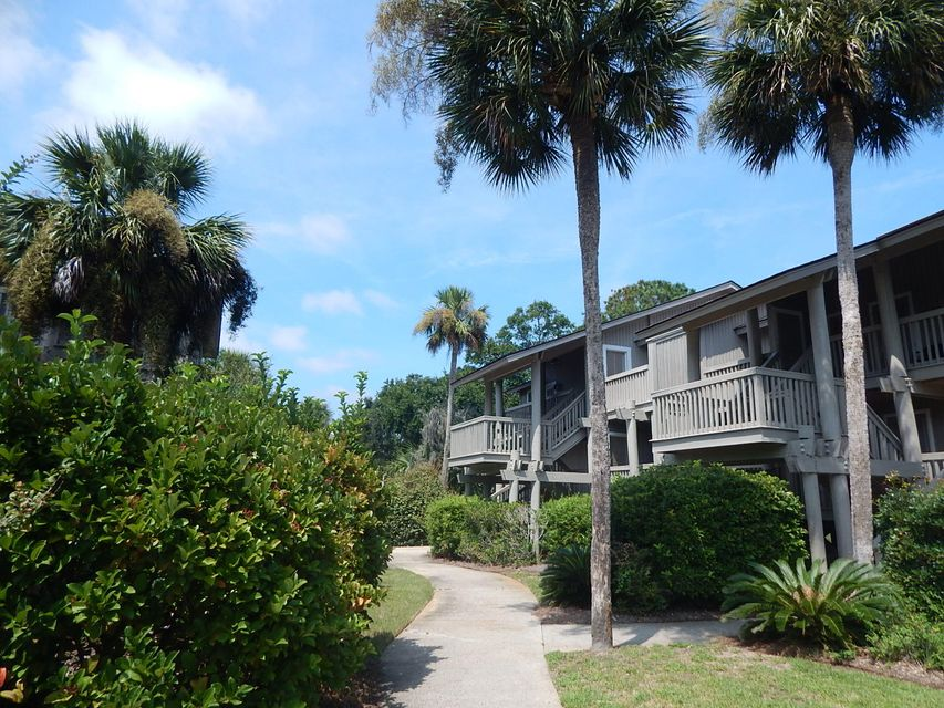 28  Lagoon Villas Isle Of Palms, SC 29451