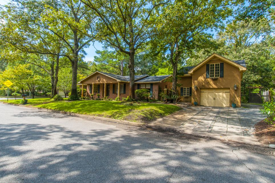 1216  Wappetaw Place Mount Pleasant, SC 29464