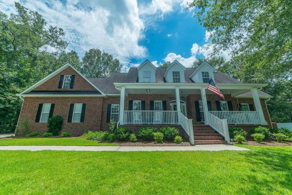 561  Barfield Drive Summerville, SC 29485