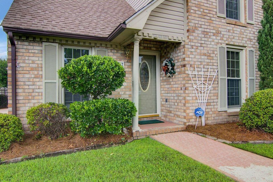 5557  Evelyn Drive North Charleston, SC 29418