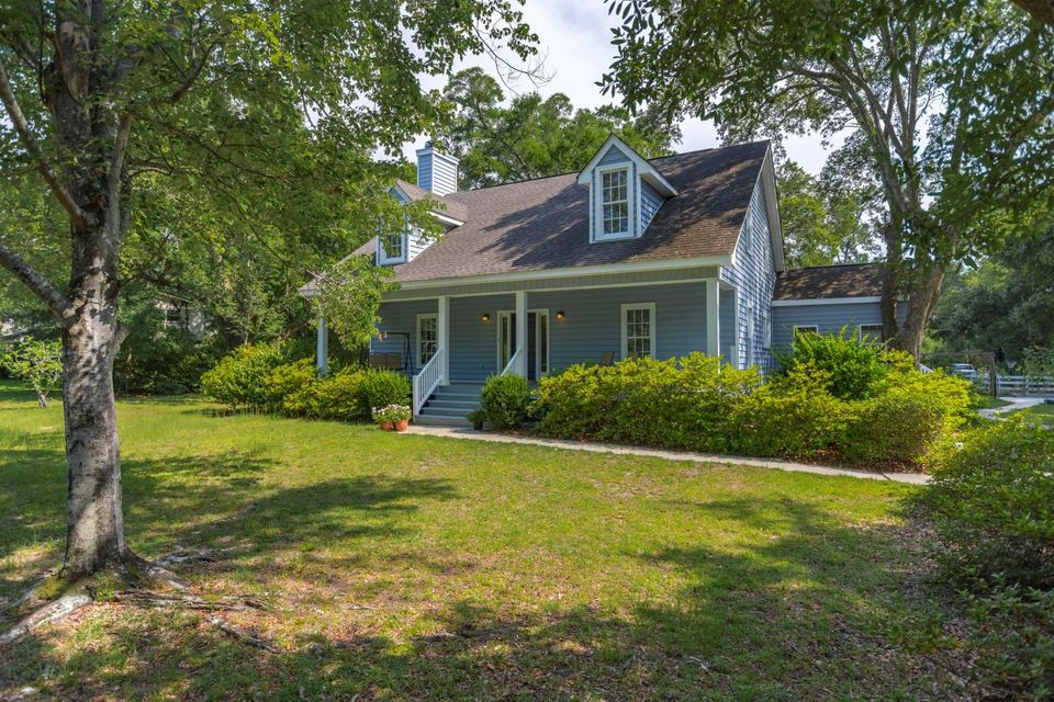 275  Molasses Lane Mount Pleasant, SC 29464