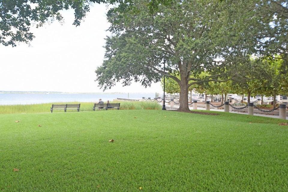 32 N Adgers Wharf Charleston, SC 29401