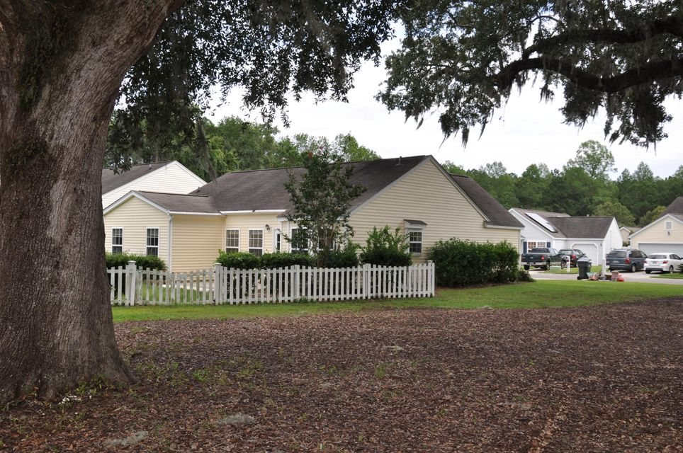 1122  Ole Oak Drive Charleston, SC 29492