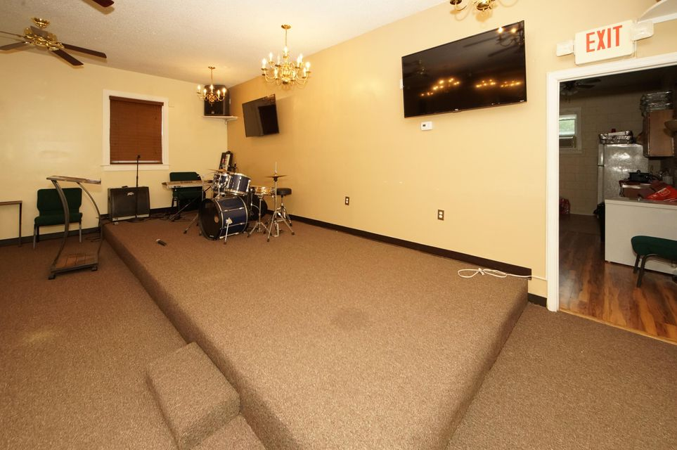 513  Arlington Drive Charleston, SC 29414