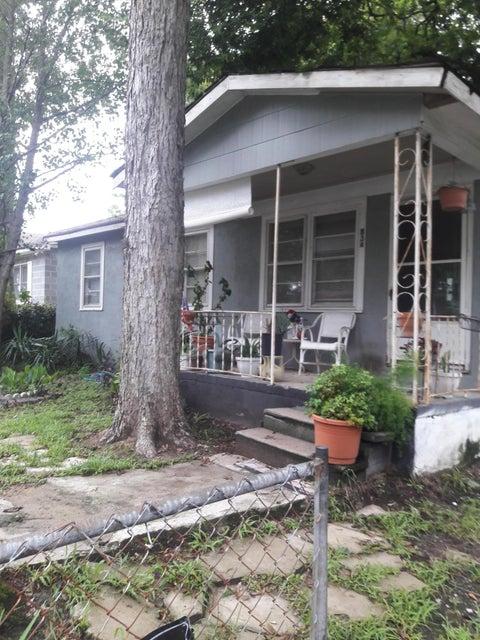 834  Burger Street Charleston, SC 29407