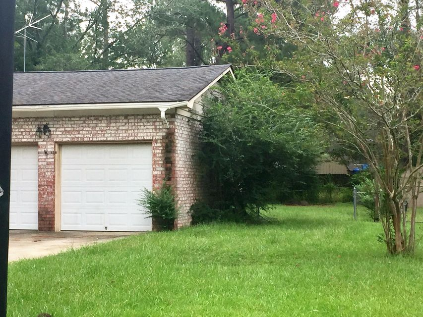 111  Three Wood Lane Summerville, SC 29483