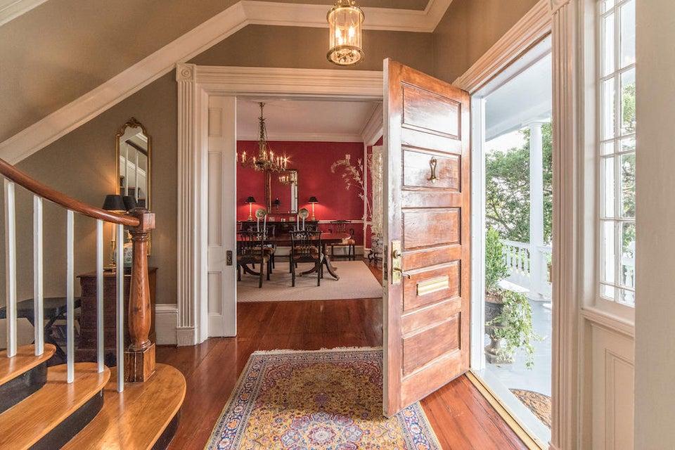 21  Lamboll Street Charleston, SC 29401