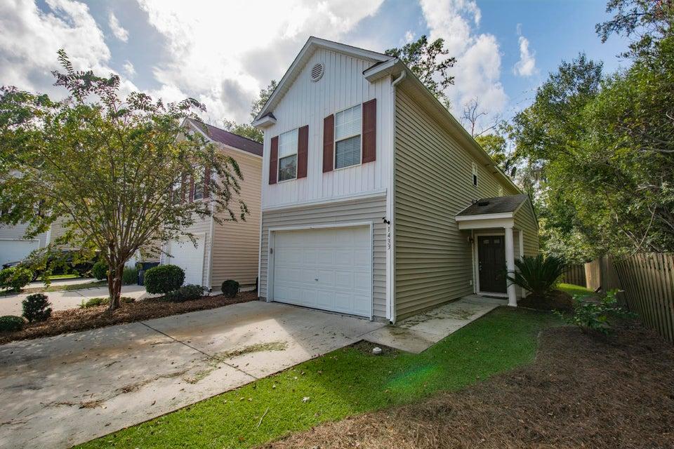 1433  Saratoga Court North Charleston, SC 29420