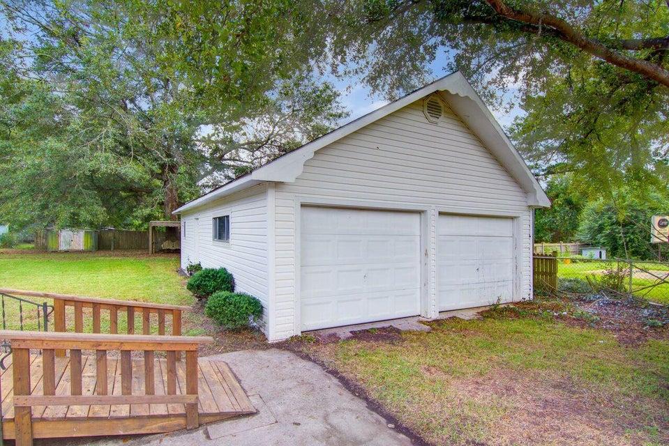 281  Embassy Drive Summerville, SC 29483