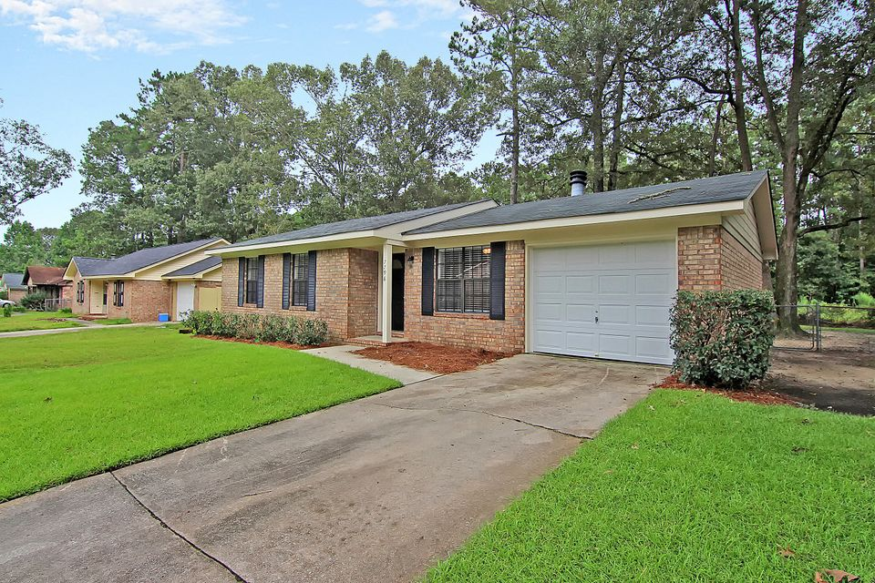 7798  Ginger Lane North Charleston, SC 29420
