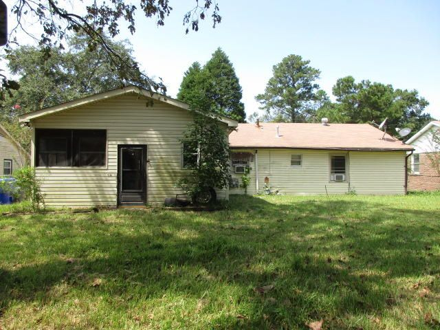 7670 Kings Grant Lane North Charleston, SC 29420