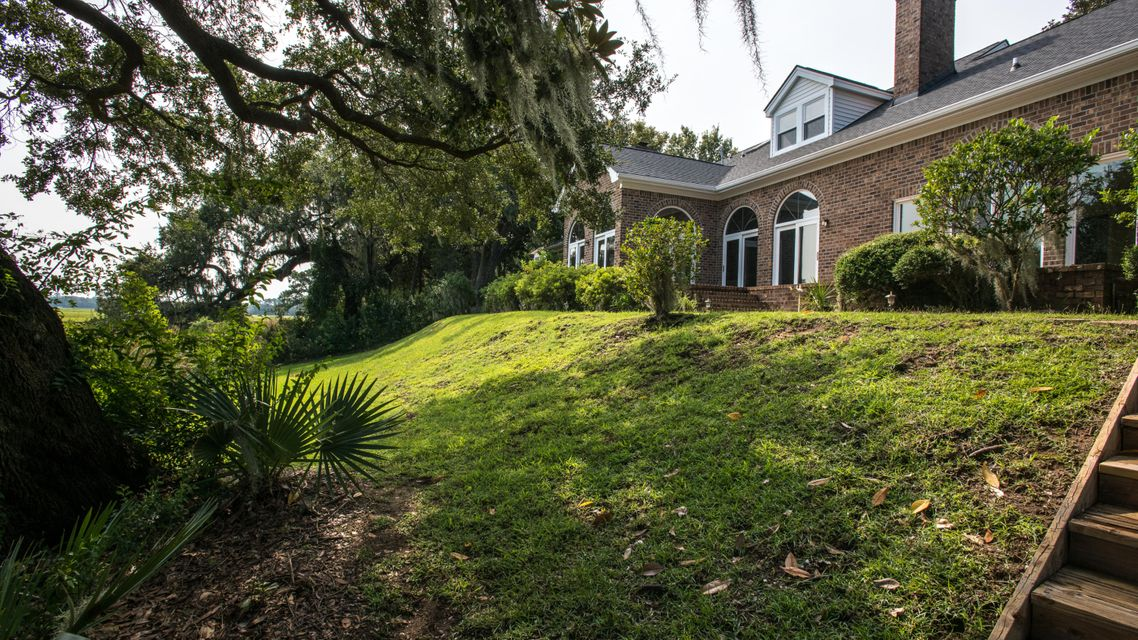 1564 Spinnaker Lane Charleston, SC 29407