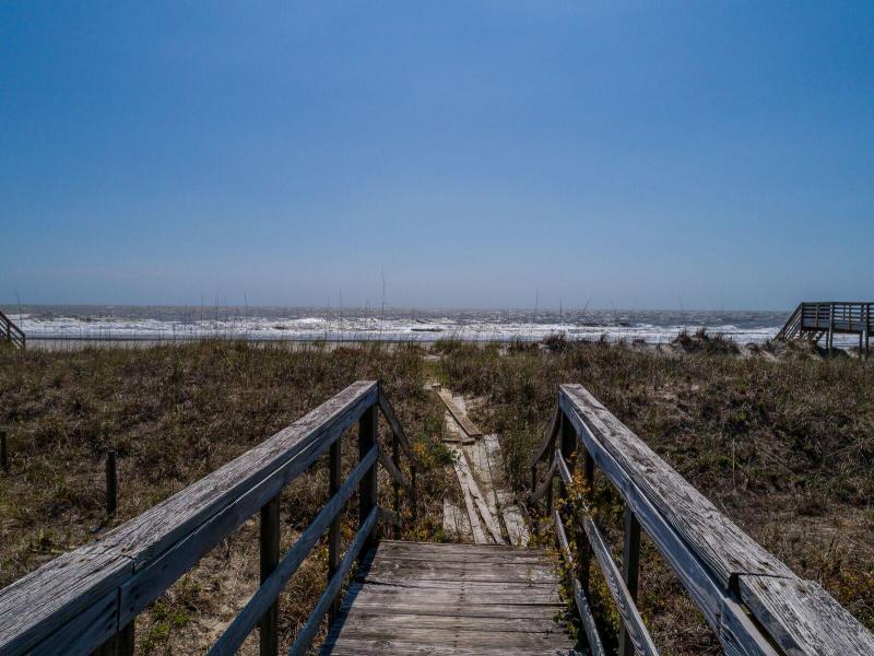 605 E Arctic Avenue Folly Beach, SC 29439