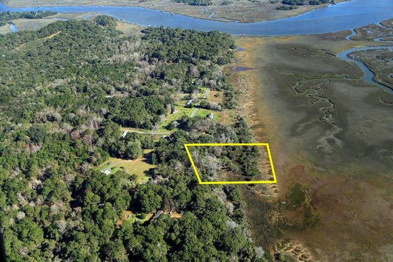 2835  Roseville Wadmalaw Island, SC 29487