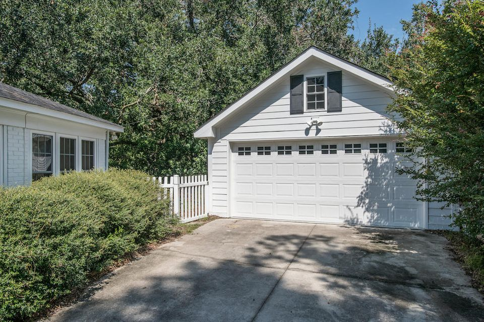 1050  Cliffwood Drive Mount Pleasant, SC 29464