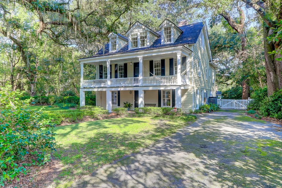 408  Sumter Avenue Summerville, SC 29483