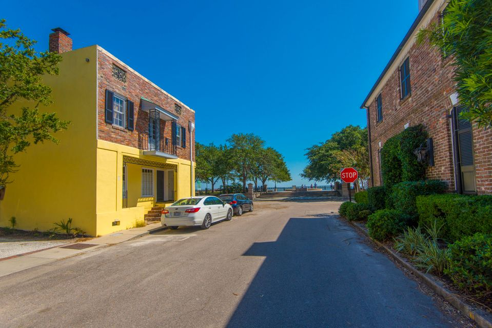 4 Exchange Street Charleston, SC 29401