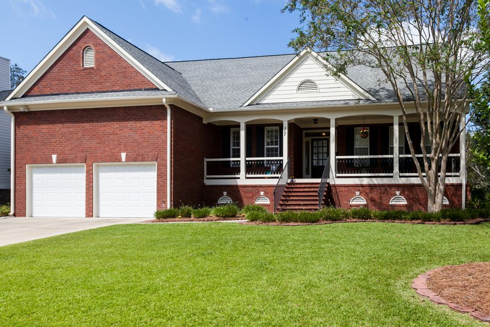 207  Oak Point Landing Drive Mount Pleasant, SC 29464