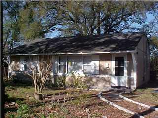 2906  Charlene Drive North Charleston, SC 29405