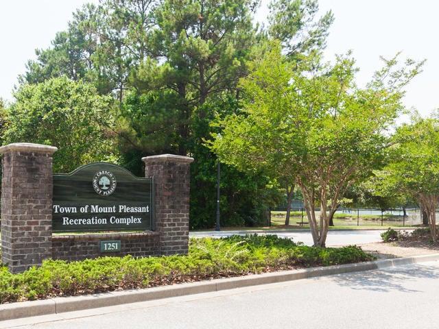 2690  Park W Boulevard Mount Pleasant, SC 29466