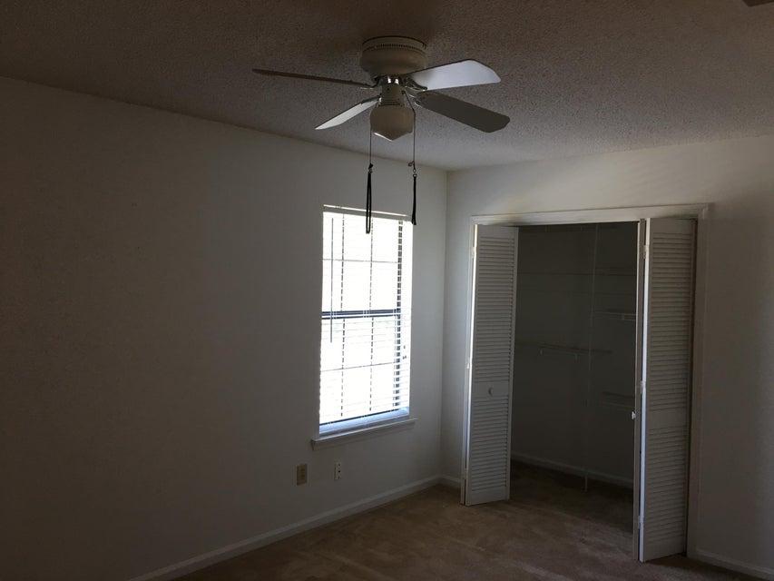 8044  Thelen Street North Charleston, SC 29406