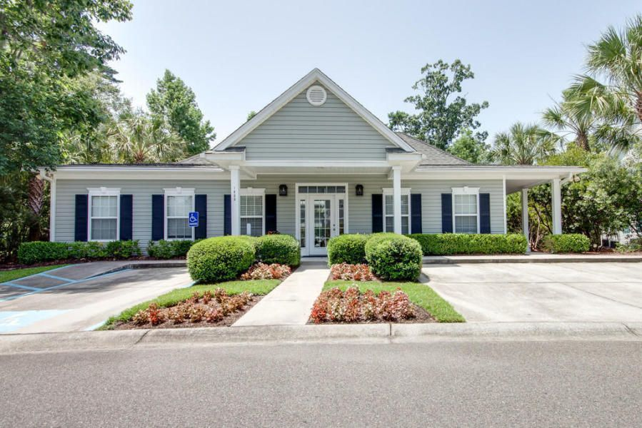 1107 Grove Park Dr. Charleston, SC 29414