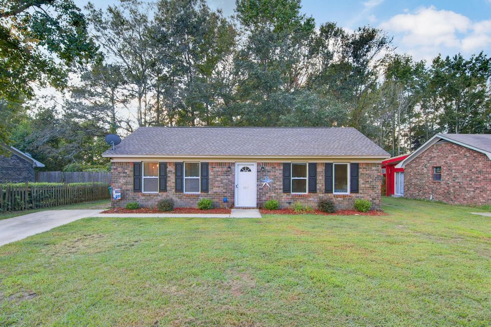 127 Stephanie Circle Summerville, SC 29483