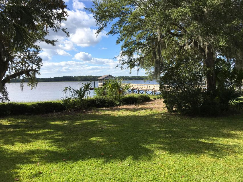 1958  Sandy Point Lane Mount Pleasant, SC 29466