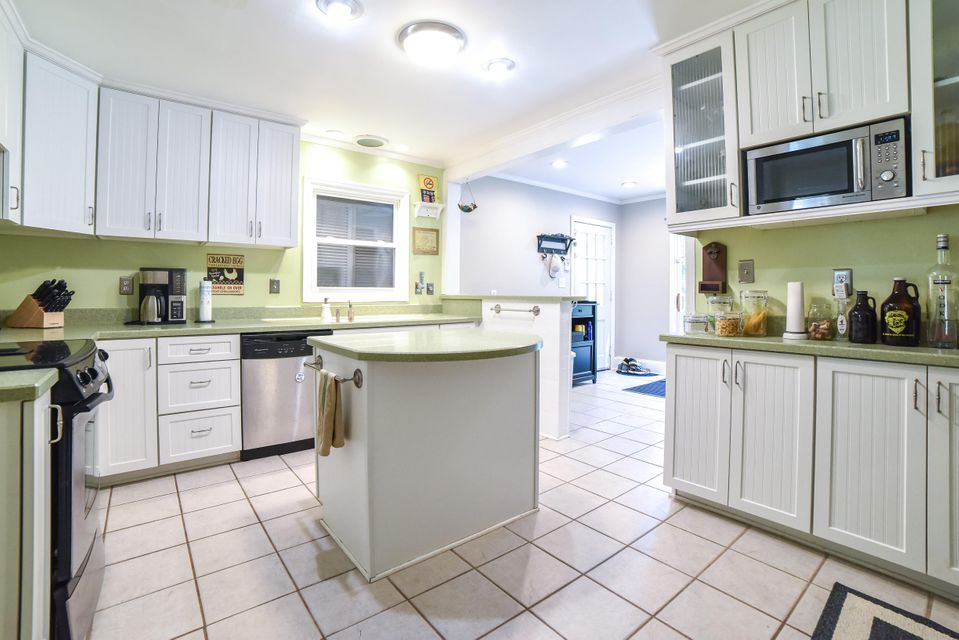 5106  Parkside Drive North Charleston, SC 29405