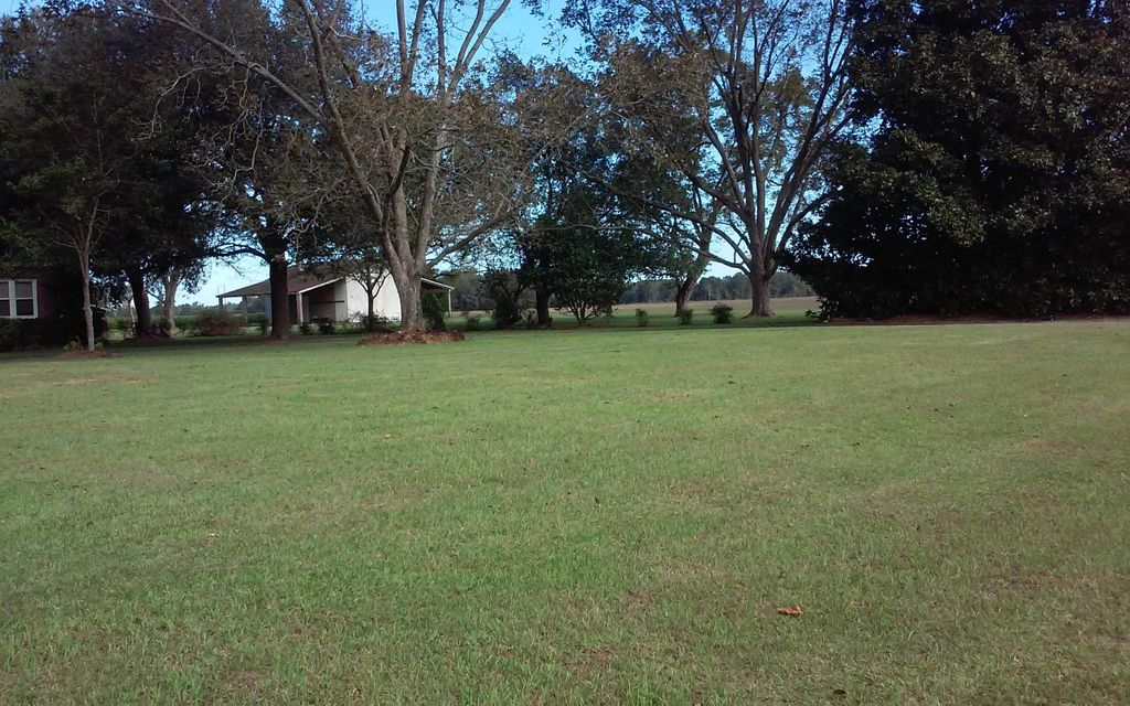 3534  Vance Road Holly Hill, SC 29059