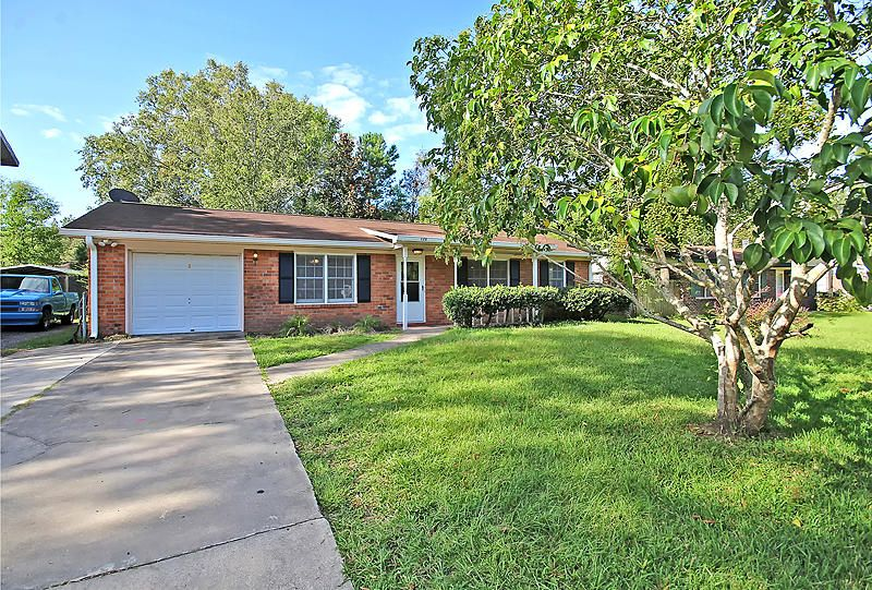 126 Dorchester Manor Boulevard North Charleston, SC 29420