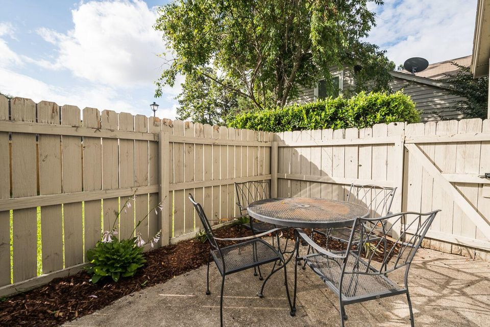 10  Maplecrest Drive Charleston, SC 29412