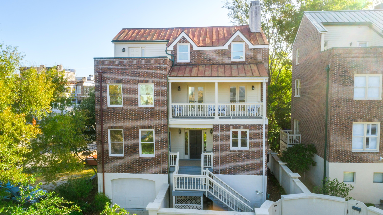 4  Maiden Lane Charleston, SC 29401