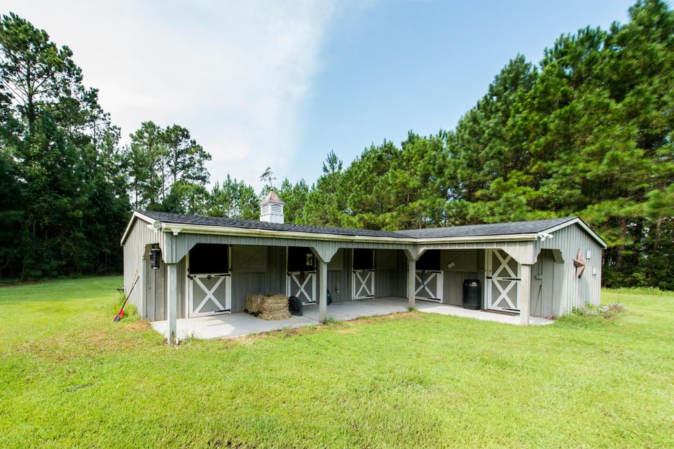 wadmalaw island singles 6158 bears bluff rd, wadmalaw island, sc is a 1911 sq ft, 3 bed, 3 bath home listed on trulia for $325,000 in wadmalaw island, south carolina.