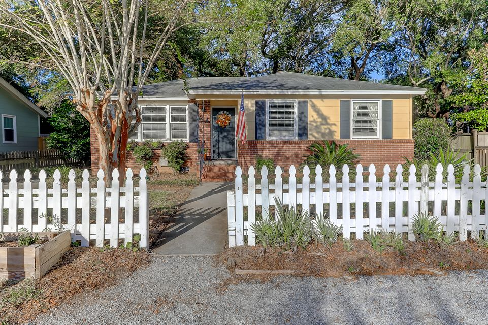 1440  Moultrie Mount Pleasant, SC 29464