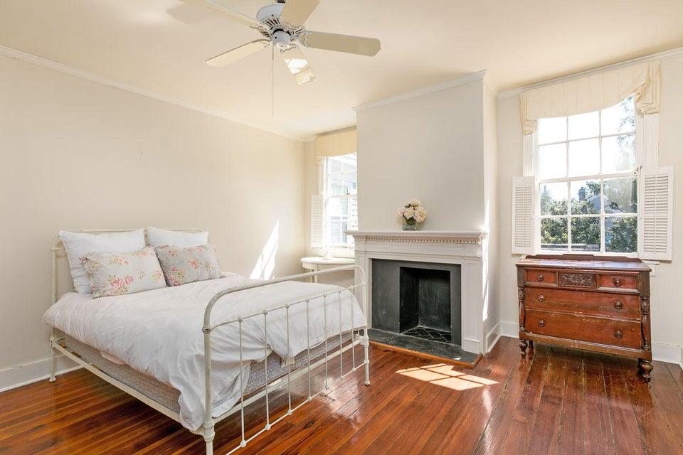 28  Savage Street Charleston, SC 29401