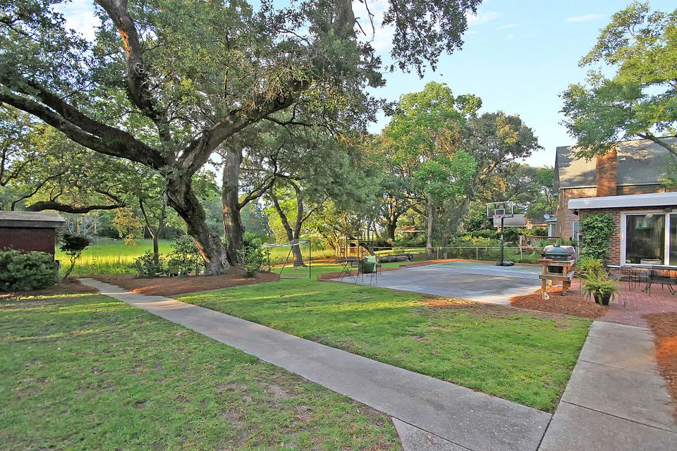 831 St Denis Drive Charleston, SC 29407