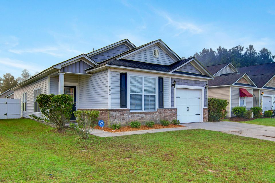 202  Summer View Road Summerville, SC 29483
