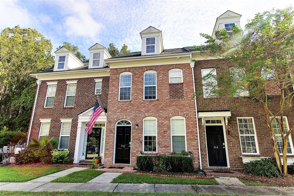 742  Certificate Court Charleston, SC 29414