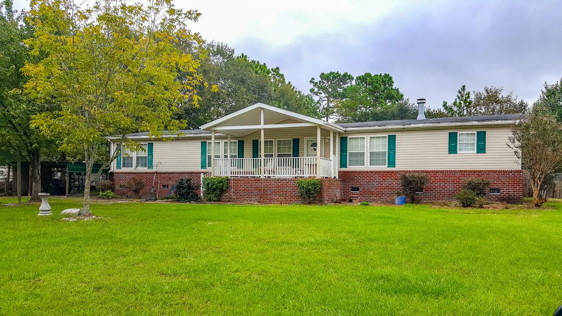 409  Pooshee Plantation Way Bonneau, SC 29431