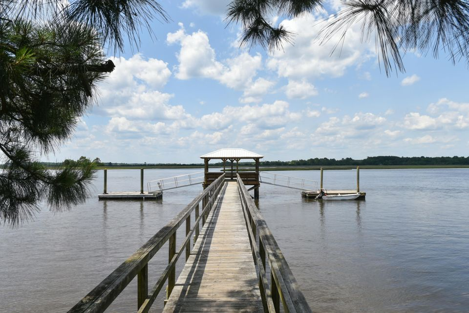 722  Gracie Parrott Road Johns Island, SC 29455