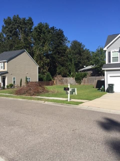 1910  Chestnut Oak Lane Charleston, SC 29414