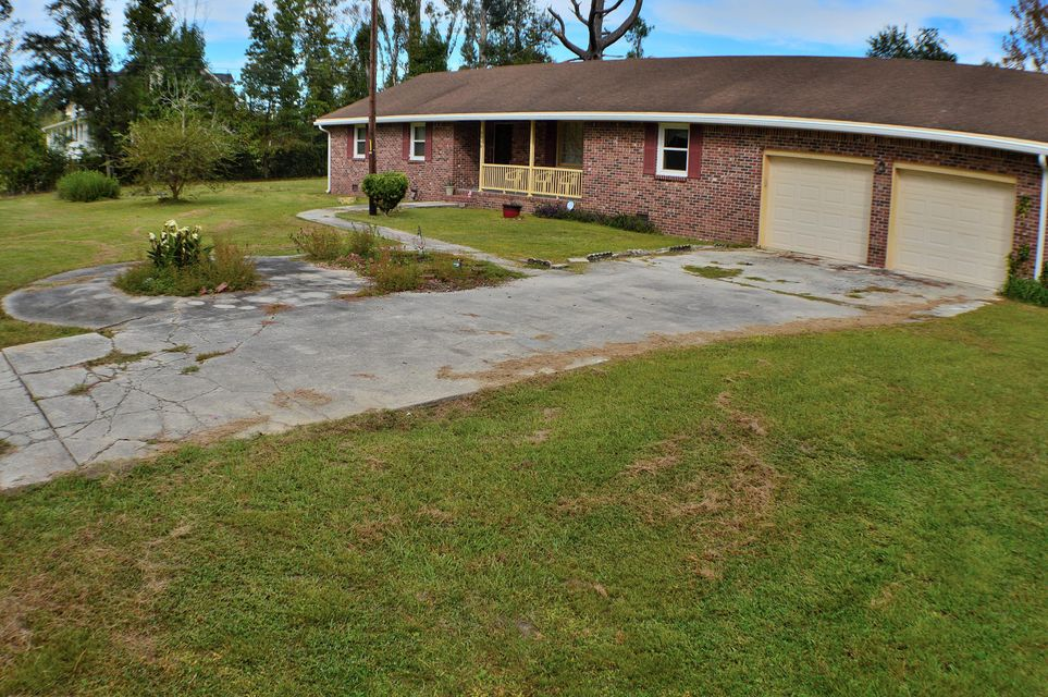 2958  Old Pond Road Johns Island, SC 29455